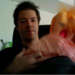 Schreiendes Baby in Rucksack gesteckt?