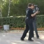 Schlägerei: Photograph gegen Kameramann – Verlierer: Die Kamera