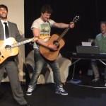 Die gesungenen Nachrichten – 3 Minuten ui.-Show
