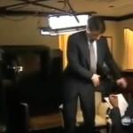 Scientologe bricht Interview ab
