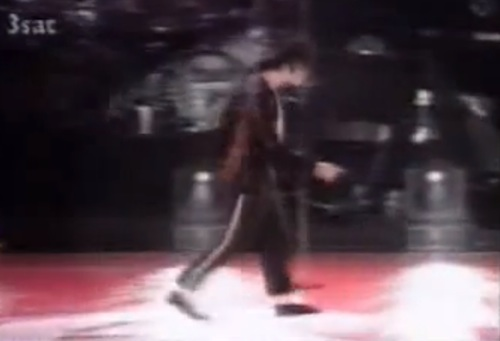 michael-jackson-moonwalk
