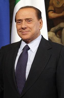 Berlusconi tritt zurück