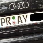 Beim Autofahren hilft nur noch Beten