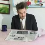Wie man am besten die Zeitung beim Kaffeetrinken umblättert