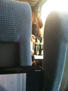 betrunkene Frauen in der Deutschen Bahn