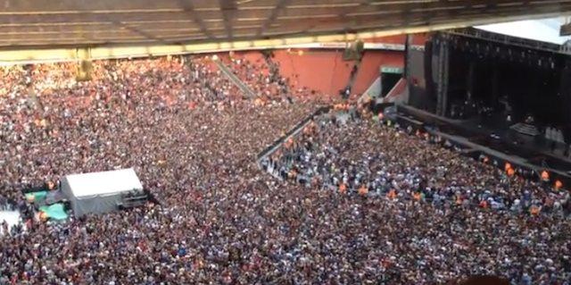 Stadion singt Bohemian Rhapsody